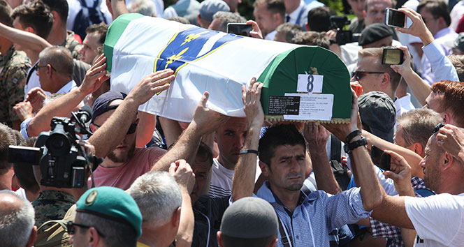 Srebrenitsa soykırımı 23. yılında anıldı