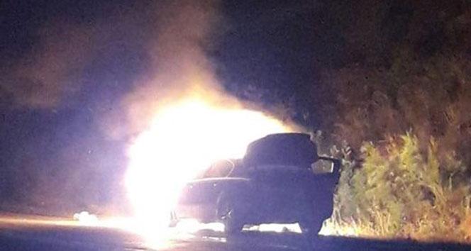 Kaymakam ve koruması yanan araçtan son anda kurtuldu