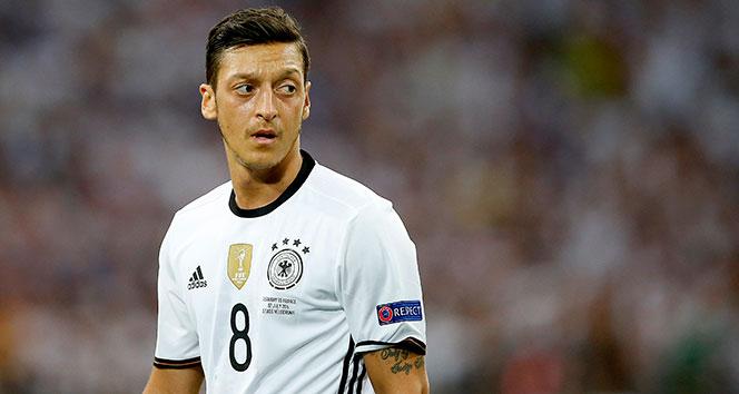 Fenerbahçe'den Mesut Özil açıklaması! Görüşmelere başlanmıştır