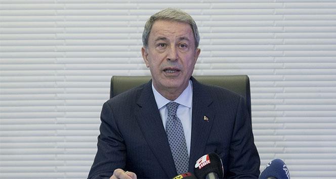 Bakan Akar: 'Türk ve Müslüman düşmanlığını içimizdeki gafillerin de görmesini bekliyoruz'