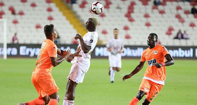 ÖZET İZLE: Sivasspor 1-0 Alanyaspor Maç Özeti ve Golleri İzle |Sivas Alanya Kaç Kaç Bitti?