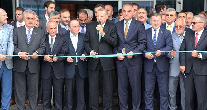 Cumhurbaşkanı Erdoğan Rize'den ayrıldı