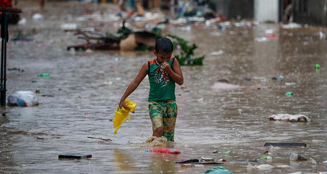 Muson yağmurları 40 bin kişiyi göç ettirdi