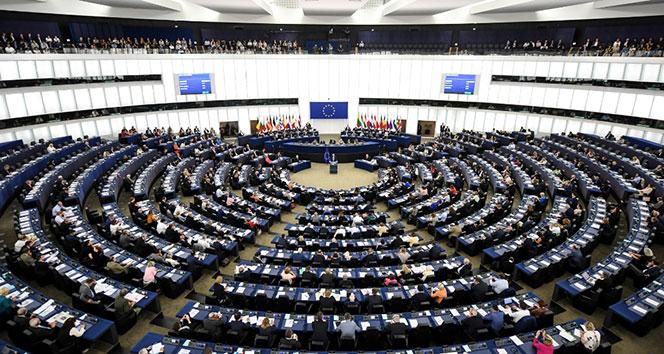 Juncker: Euro egemen bir Avrupa'nın yüzü olmalı