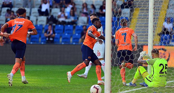 Başakşehir, Antalyaspor'u 4 golle geçti!