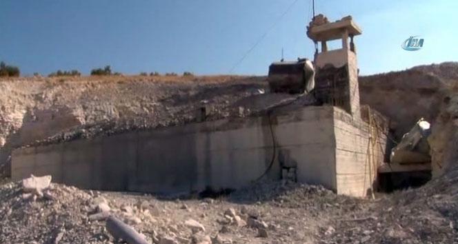 İdlib'te yer altına kurulan hastane Rus jetleri tarafından bombalandı