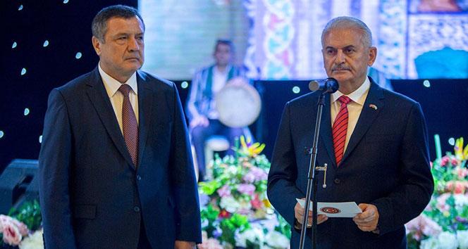 Binali Yıldırım, Özbekistan'da resepsiyona katıldı