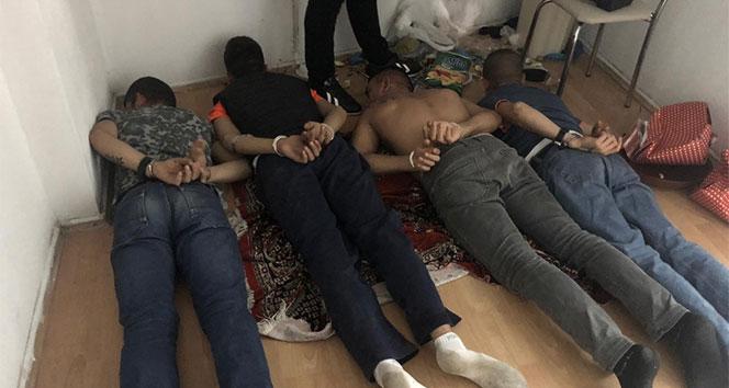 Öğrencileri hedef alan torbacı çetesi çökertildi