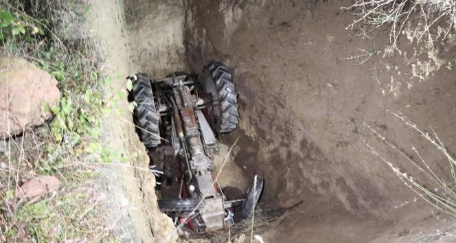 3 gündür aranan adam, traktörle devrildiği 5 metrelik çukurda bulundu