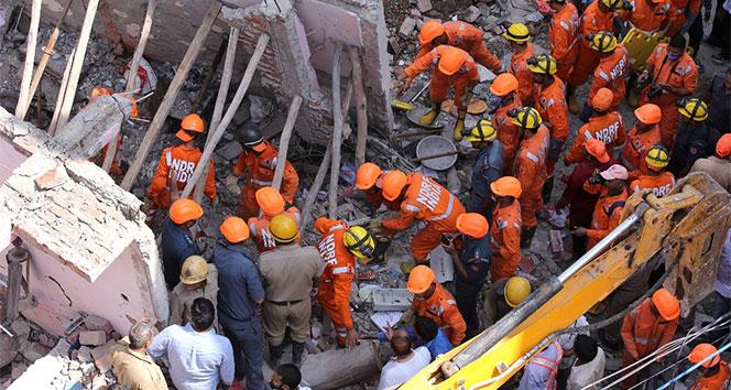 Hindistan'da bina çöktü: 5 ölü