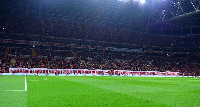 Galatasaray golleri evinde atıyor