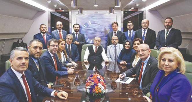 Cumhurbaşkanı Erdoğan'dan Macaristan dönüşü önemli açıklamalar: CHP'nin iş bankası üzerinde hakkı yok