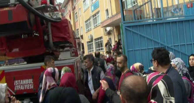 İstanbul Bahçelievler'de bir ortaokulda yangın çıktı