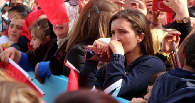Cumhurbaşkanı Erdoğan'ı görünce ağlamaya başladı!