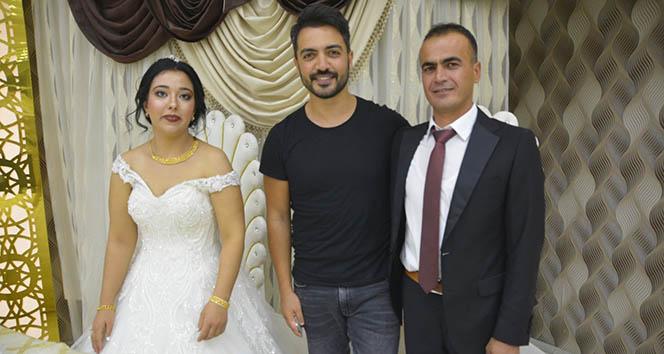 Sanatçı Yusuf Güney şehit askerin kardeşinin düğününe katıldı