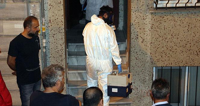 Beşiktaş'ta şüpheli ölüm, polis gaz maskesiyle eve girdi