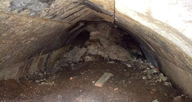 Çifte Minareli Medrese'deki geçitler kazıyla gün yüzüne çıkartıldı