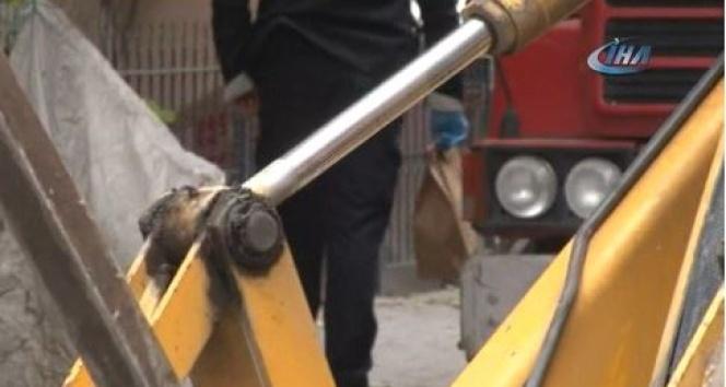 Bahçelievler'de altyapı kazısı sırasında çocuk kafatası bulundu