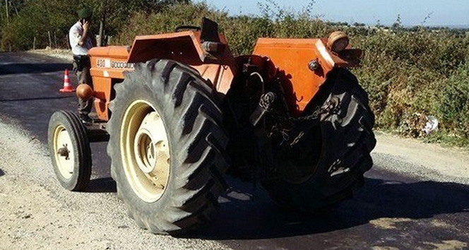 Uşak'ta traktörden düşen kadın hayatını kaybetti