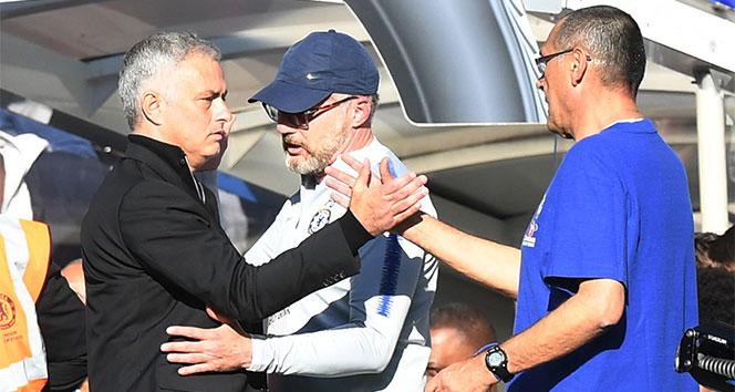 Maurizio Sarri: 'Mourinho'ya daha fazla saygı gösterin'