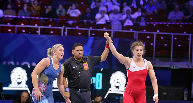 Yasemin Adar, Dünya Güreş Şampiyonası'nda finalde