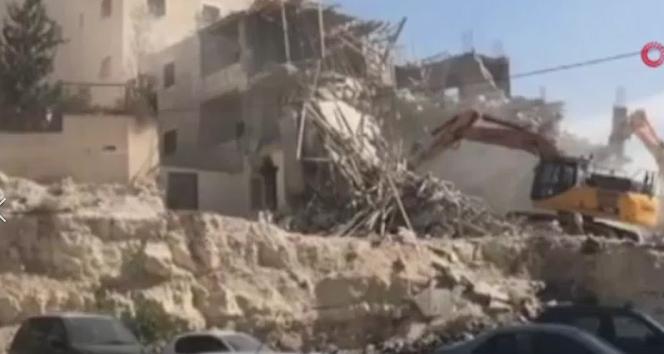 İsrail güçleri Kudüs'te bir Filistinlinin evini yıktı