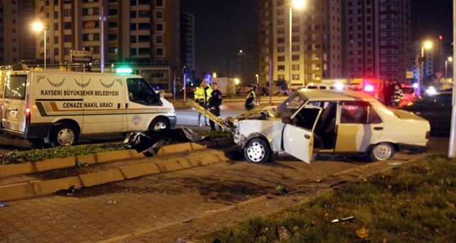 Kayseri'de otomobiller çarpıştı: 1 ölü, 3 yaralı