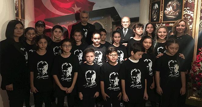 10 Kasım çocukları yine ayakta alkışlandı