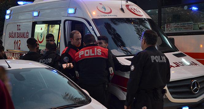 Adana'da parkta bıçaklı kavga: 3 yaralı