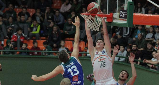 Banvit, Polonya ekibini yendi