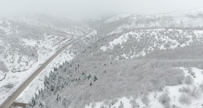 Sinop'a mevsimin karı düştü