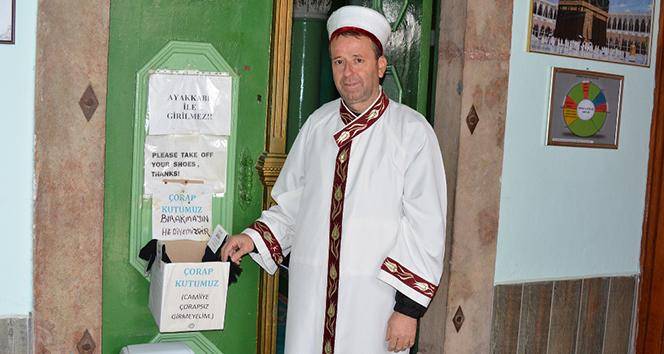Köy imamından 'askıda çorap' projesi