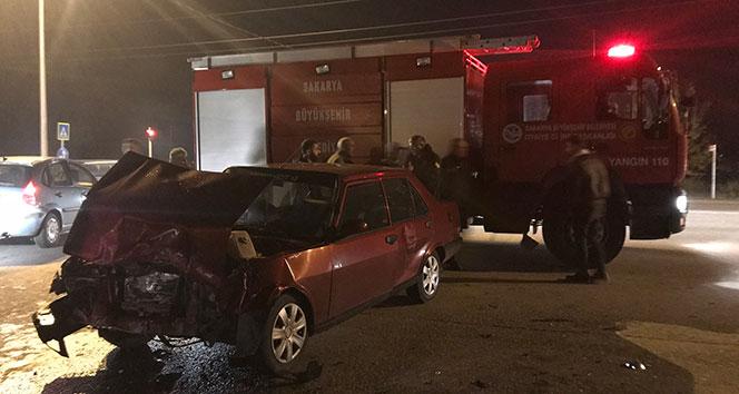 İki otomobil çarpıştı: 7 yaralı...