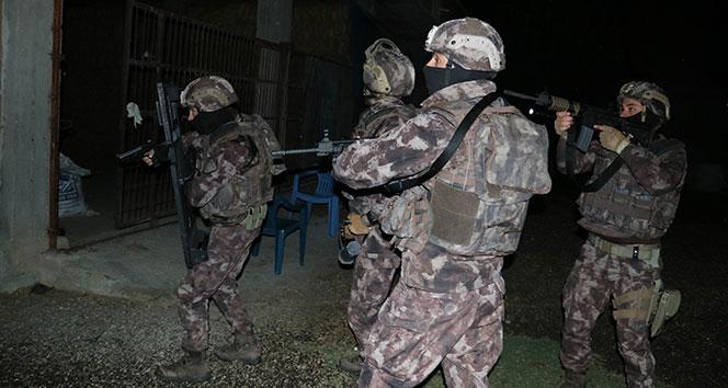 Adana'da suç örgütüne operasyon: 20 gözaltı