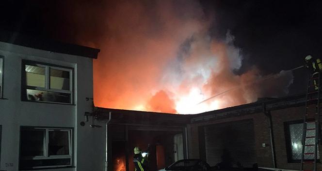 Almanya'da yangın: Türk tamirhaneleri büyük hasar aldı