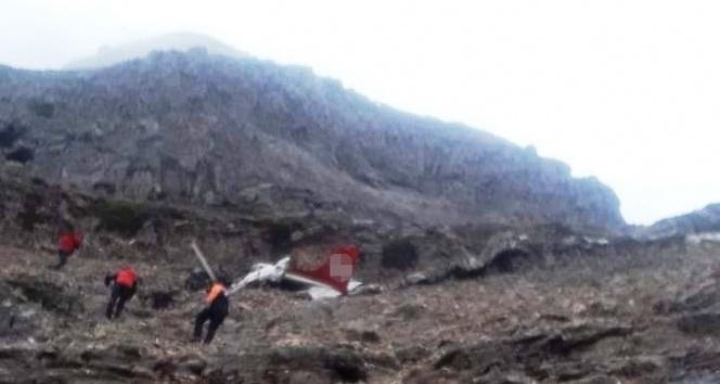 2 kişiye mezar olan uçağın enkazı 2900 rakımlı dağda bulundu