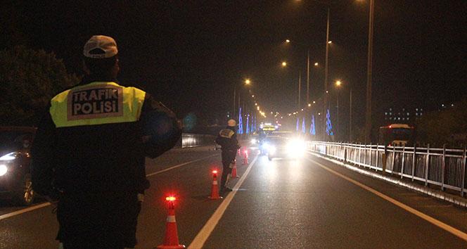 Bingöl polisi gece uygulamasıyla sürücüleri uyardı