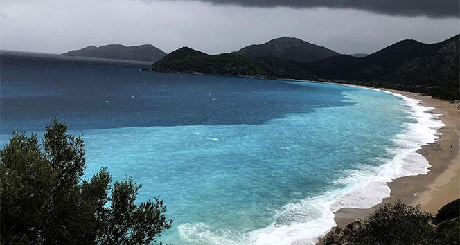 Fethiye'de denizin rengi turkuaza döndü