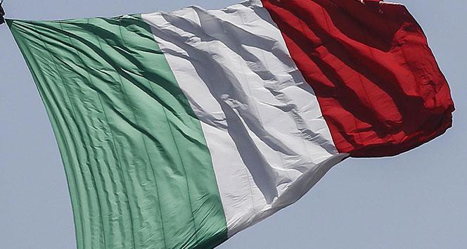 İtalya halkının yüzde 70'i parlamenter sayısının azaltılmasına 'evet' dedi