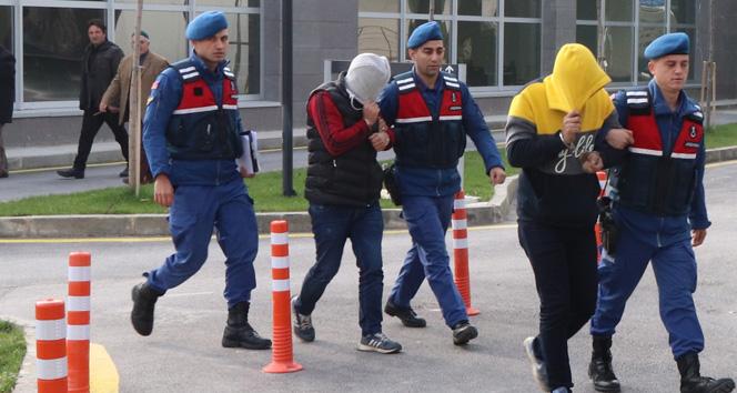 Hırsızlar Çaldıkları Rögar Kapaklarını Satmak İsterken Yakalandı ile ilgili görsel sonucu