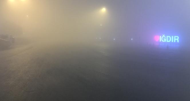 Iğdır yoğun sis altında