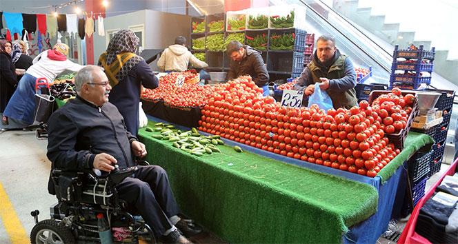 Küçükçekmece'de pazar alışverişine 'engel' yok