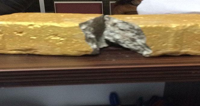 Altın külçe diye kaldırım taşını 50 bin liraya sattılar
