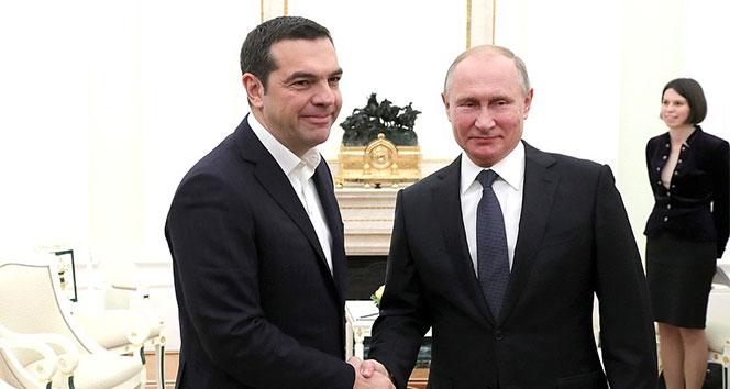 Putin ile Çipras Kremlin Sarayı'nda görüştü