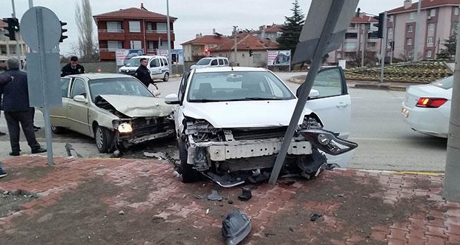 Konya'da trafik kazası: 3 yaralı!
