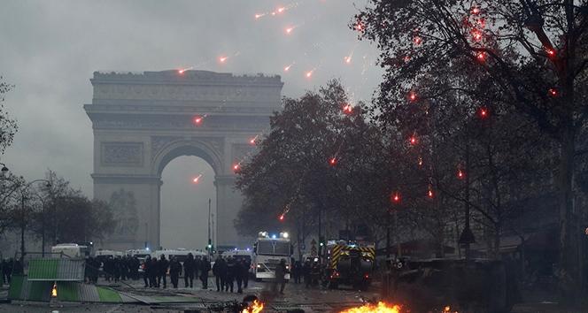Fransa yarın düzenlenecek Sarı Yelekliler eylemine kilitlendi