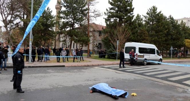 Kayseri'de sokak ortasında kadın cinayeti