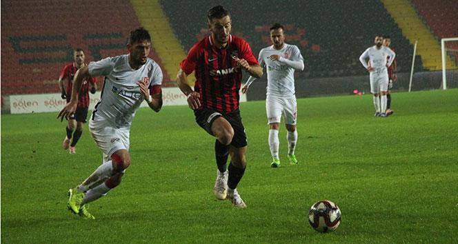 Balıkesirspor, Gaziantep'te 2 golle kazandı