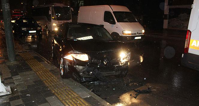 Tekirdağ'da iki otomobil kafa kafaya çarpıştı: 1 yaralı