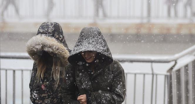 19 aralık İstanbul'da kar yağıyor mu? İşte yurtta hava durumu
